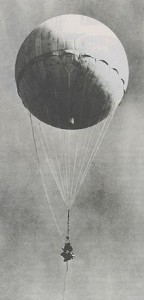 220px-Japanese_fire_balloon_moffet